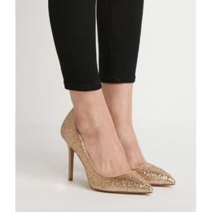 NWT Forever 21 Textured Metallic Pointed Heel